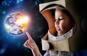 123RF.com_39167895_child is dressed in an astronaut costume by choreograph 1000X636-min